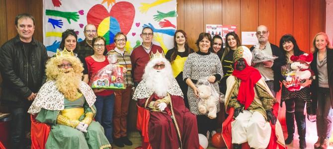 SS MM los Reyes Magos visitaron Despensa Solidaria